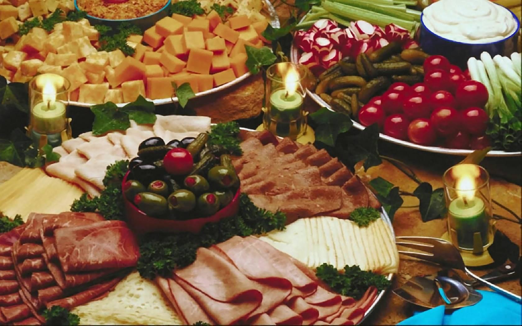 Праздничный стол фото в домашних условиях с едой